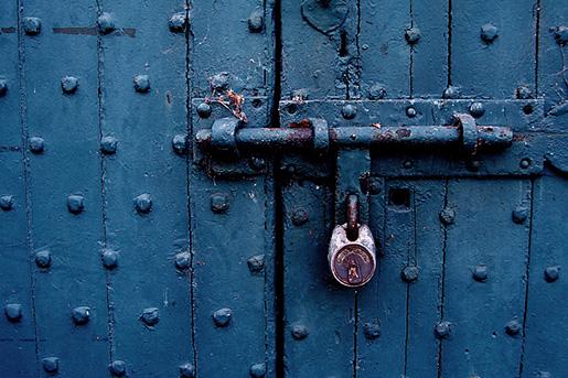 closed04