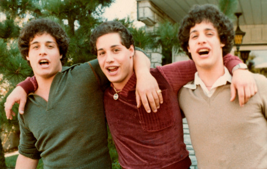 Film Three Identical Strangers