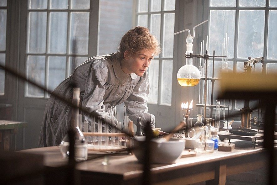 Radioactive (2019) 1/2(2.5/4): A scattershot biopic on Marie Curie's life  and career | Seongyong's Private Place